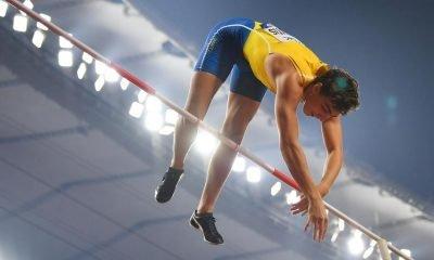 Sweden's Duplantis sets news world pole vault record
