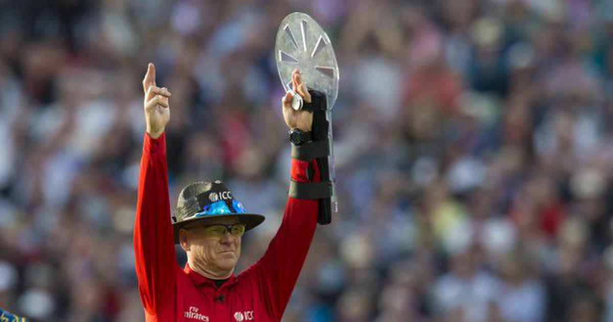 Umpire Bruce Oxenford