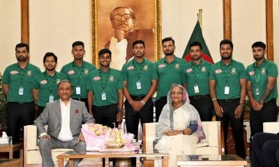 PM Hasina with team Bangladesh