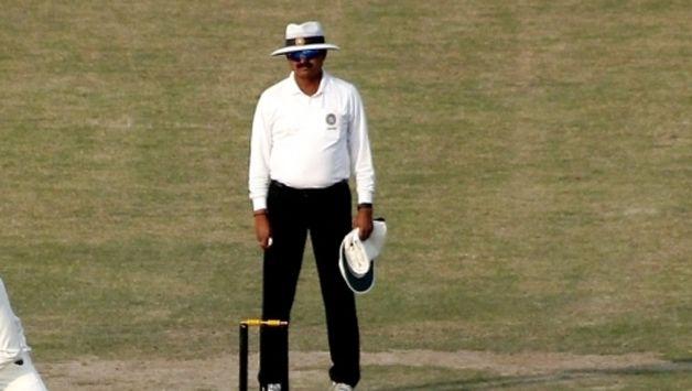 cricket-umpire