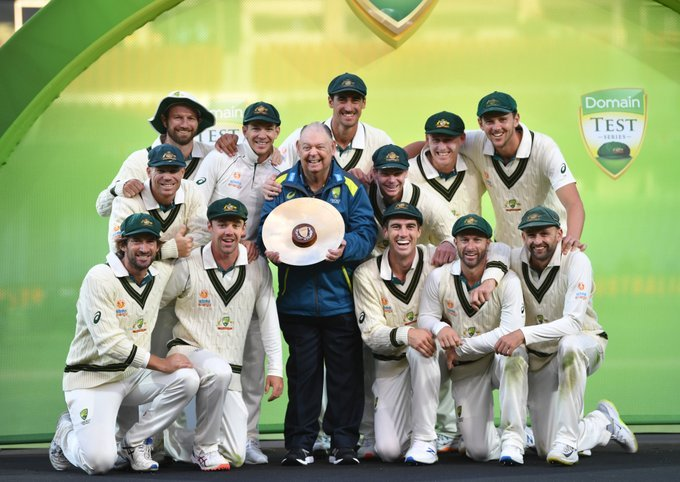 Australia beats Pakistan